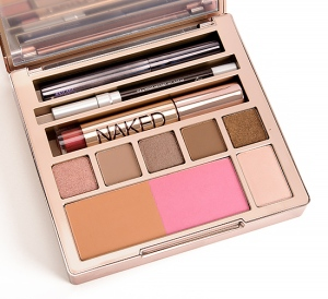http://community.sephora.com/t5/Makeup/UD-Naked-On-The-Run-Photos-amp-Swatches/m-p/1784174